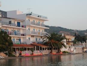 Hotel Aris, erste Reihe fussfrei