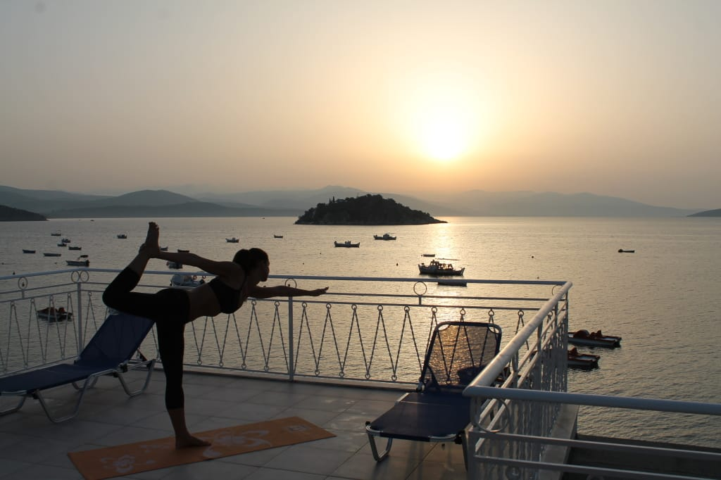 Yoga in Tolo