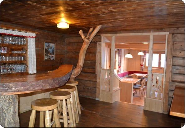 Rustikale Bar skiurlaub auf der kainerhütte reiteralm silviaschreibt de