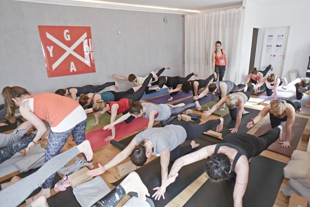 damn_good_yoga_hamburg_klasse