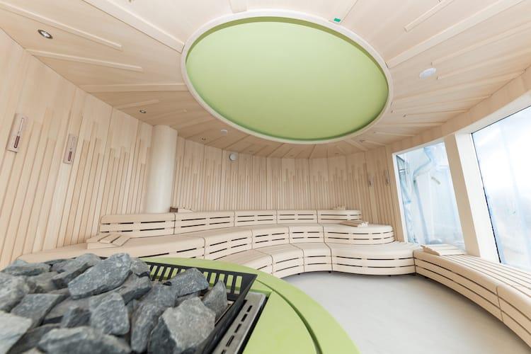 Relax finnische blockhaus sauna studio markunpoika  Schlichtes Sauna Design Holz Seeblick Schlichtes Sauna Design Aus ...