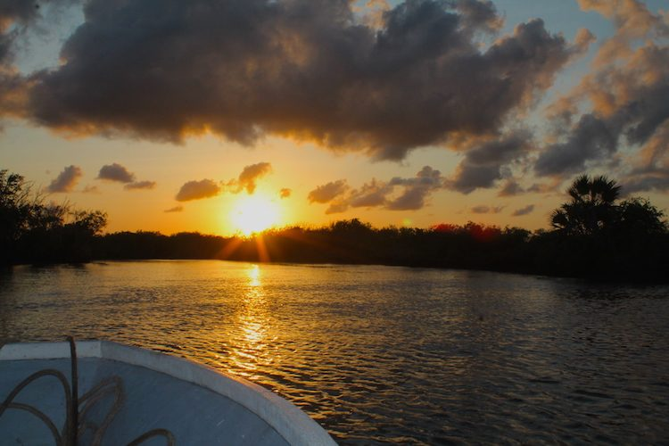 Abendliche Bootsfahrt am Tana River