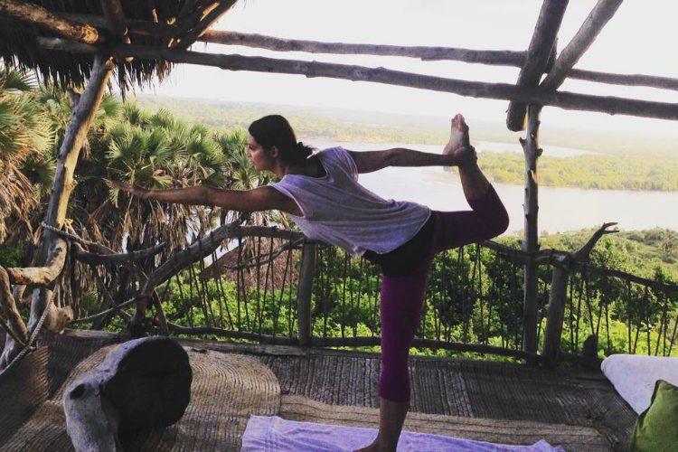 Guten Morgen Yoga im Delta Dunes Camp / Kenia