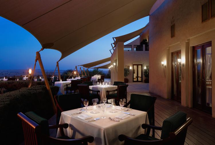 Abendessen im Restaurant Diwaan (c) Al Maha, a Luxury Collection Desert Resort & Spa, Dubai