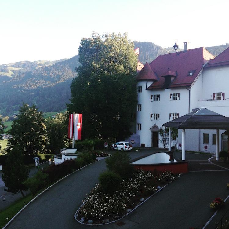Auffahrt Austria Trend Hotel Schloss Lebenberg