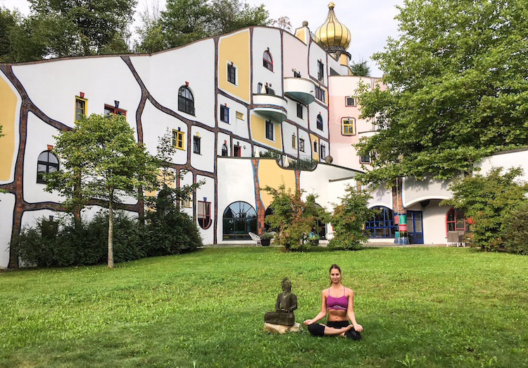 Me and Buddha in der Hundertwasser Therme Bad Blumau