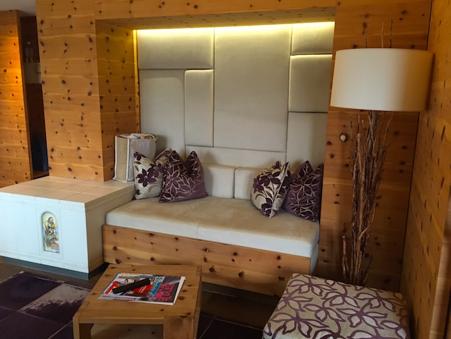 lifestyle hotel eder weihnachten in der zirbensuite. Black Bedroom Furniture Sets. Home Design Ideas