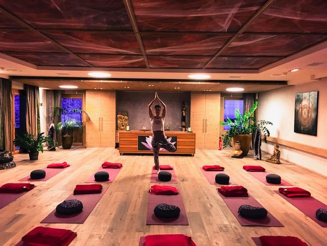 Energieraum_Yogapose_Baum