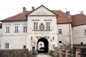 Die Burgfräuleins von Schloss Mailberg im Weinviertel